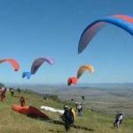 آغاز رقابت 250 خلبان پاراگلایدر کشور در ارومیه