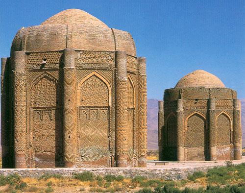 قاراقانین کرپیج قالالاری ( برج های آجری خرقان ) – قزوین