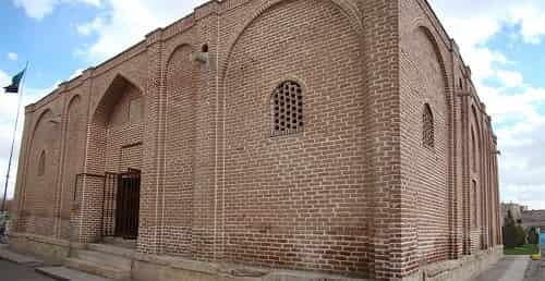 مقبره آقالار (موزه سنگنگارهها) – مراغه