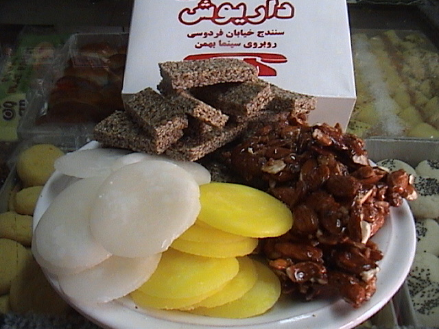 «شکری» و «گزانگبین» ؛ شیرینی و سوغات کردستان
